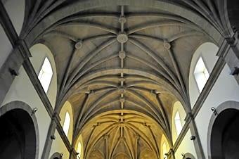 Interior de l'església parroquial de Sant Andreu, renaixentista. Volta gòtica de creueria amb nervadures.