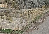 La diversitat de marges de pedra i l'estil constructiu que aquesta determina, és notable en la Ribera baixa.