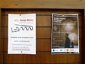 Cartells anunciadors  de  l'activitat  de  l'Any Josep Mora, oberta  a  tothom  dins  de  les  Jornades  Europees  del Patrimoni, organitzades per l'IRMU, amb la col·laboració del  Consell  d'Europa,  la  Generalitat de Catalunya, i les FMC i  ACM, dels  municipis de Catalunya.