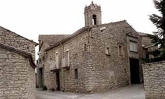 Cases de la Manresana on es pot comprovar el domini de la pedra. Els pobles de la zona tenen aquest aspecte.