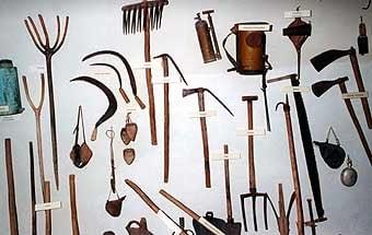 Això és el museu de Rocafort. Gran part està dedicada  a la pagesia i oficis comuns de la època.