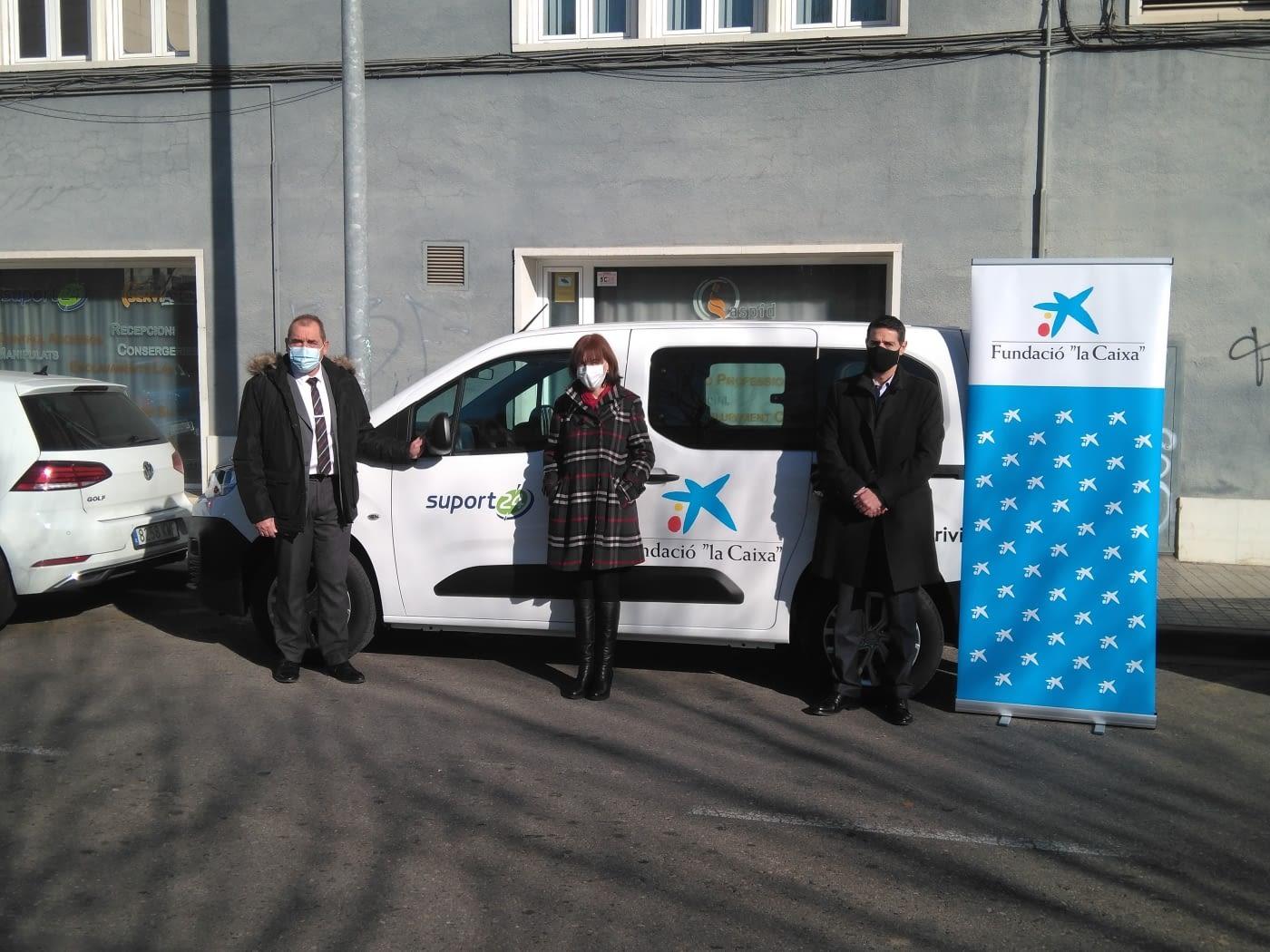 """Aspid rep donació d'un nou vehicle per als seus projectes solidaris gràcies a la col·laboració de Fundació """"la Caixa"""" i el concessionari Drivim"""