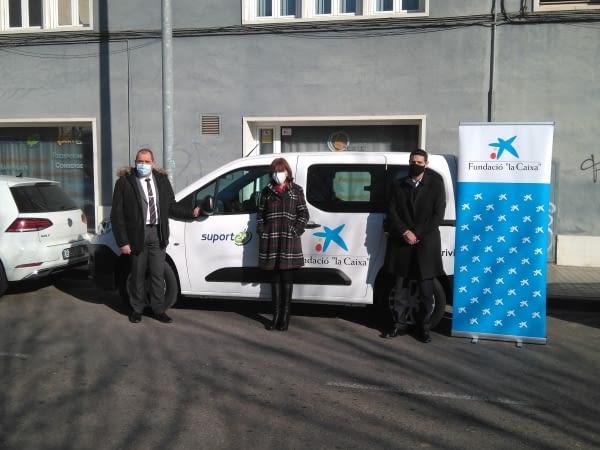 """Aspid recibe donación de un nuevo vehículo para sus proyectos solidarios gracias a la colaboración de Fundación """"la Caixa"""" y el concesionario Drivim"""