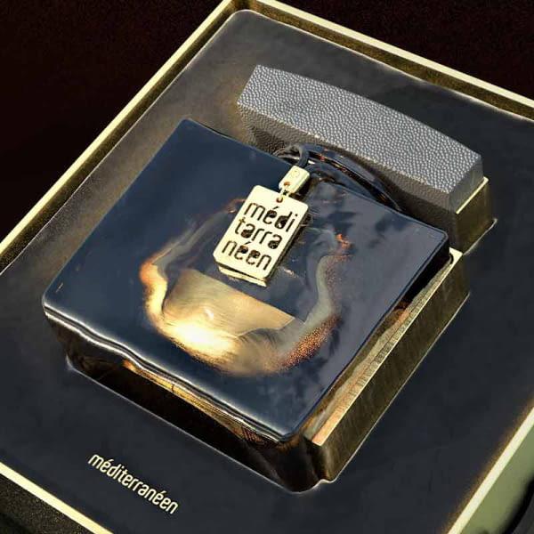 Breloque en métal sur mesure pour décorer les flacons de parfum