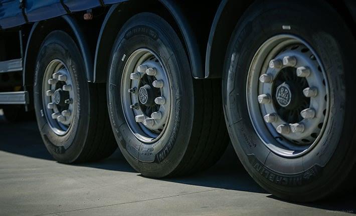 Consejos prácticos para el mantenimiento de los neumáticos de tu camión