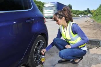 Com actuar en cas de punxada de roda?