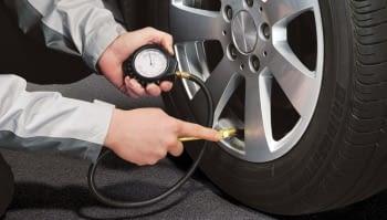 ¿Cómo comprobar el desgaste de las ruedas del camión?