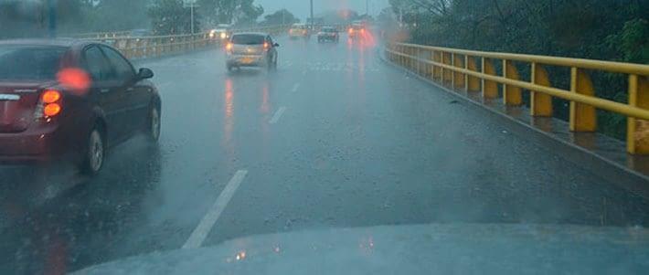 5 Consejos para una adecuada conducción bajo la lluvia.