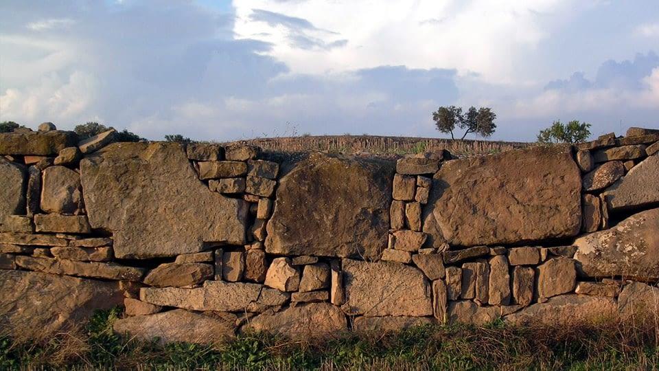 Aixoplucs, fites de terme, cabanes de volta … i altres elements de caire històric (10 Km)