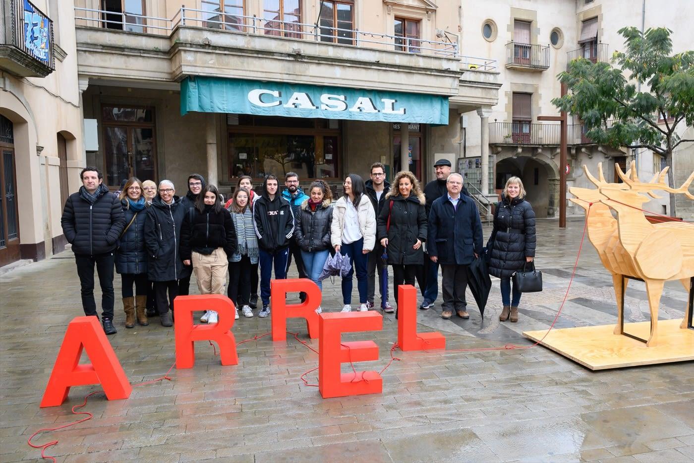 'Artèria' revitalitza el carrer Major de Cervera amb les intervencions artístiques dels alumnes de l'escola Leandre Cristòfol