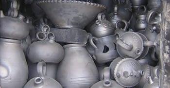 """La ceràmica negra de Verdú i els seus famosos """"sillons"""""""