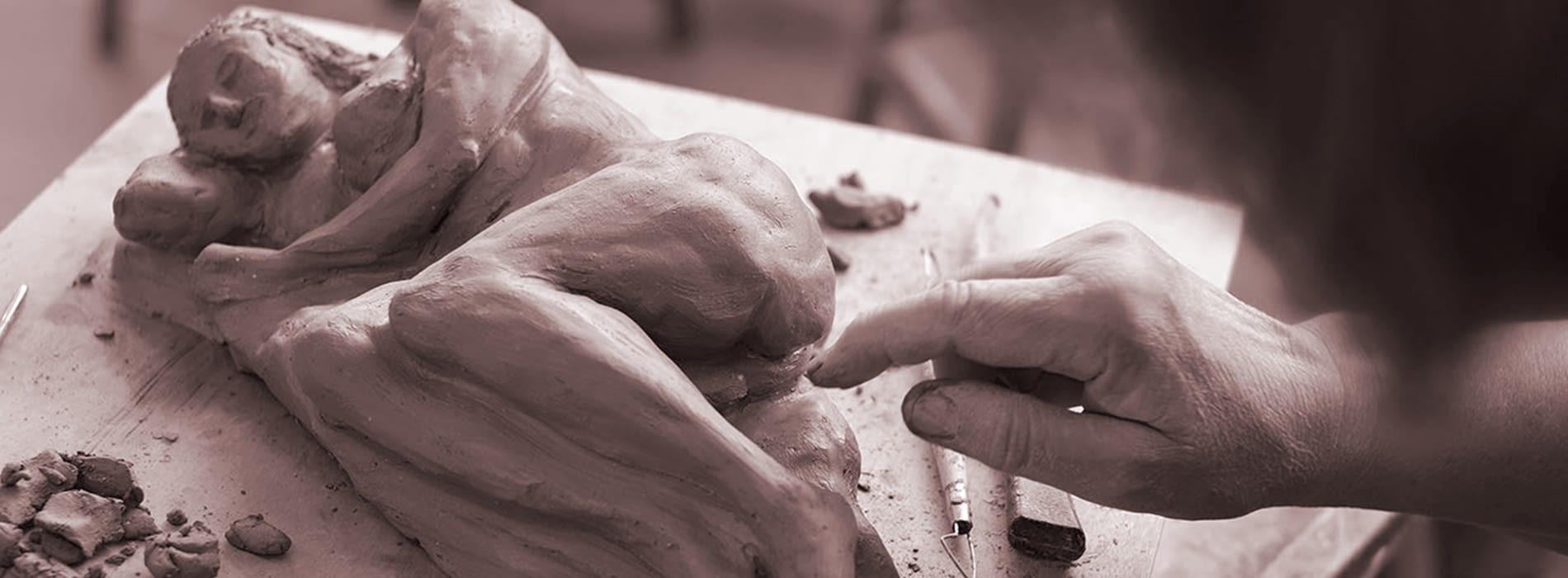 Serveis descobreix el món dela ceràmica
