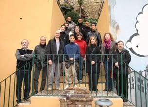 Visita municipal al taller de formació d'un ofici per a joves (retall de premsa de l'Ajuntament)
