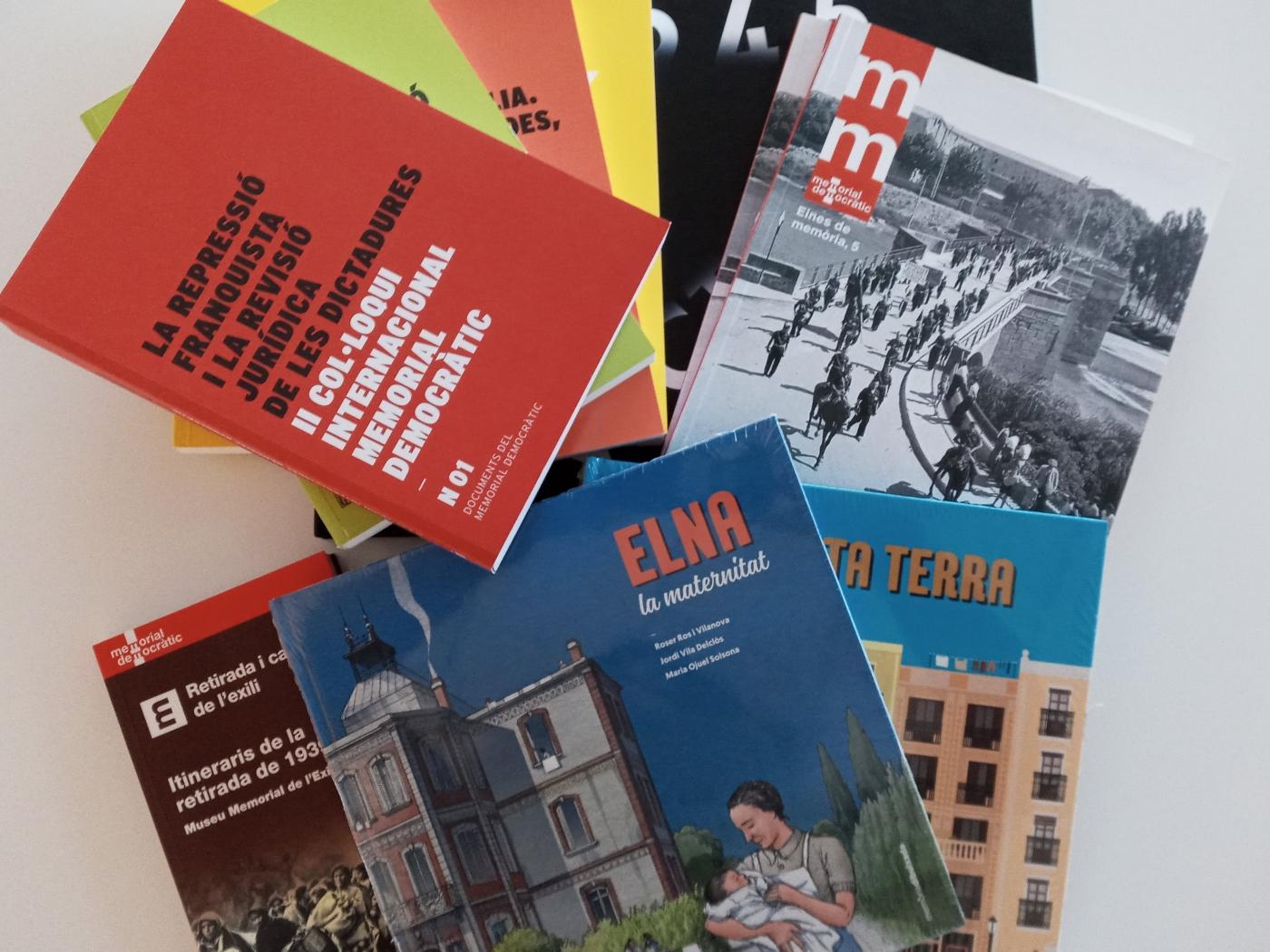 El Memorial Democràtic dona un lot de llibres a l'Espai