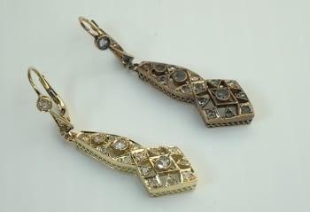 Reedition of earrings
