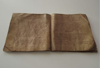 Reproducción de un libro antiguo