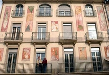 MURAL PAINTINGS ON THE FRONT OF VIVALDI BUILDING IN TÀRREGA