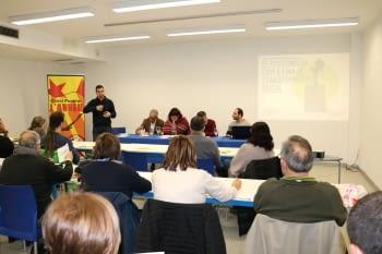 Una vintena de persones debaten a Mollerussa sobre consum responsable