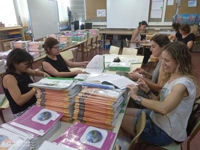 Una comissió de l'AMPA del CEIP Jacint Verdaguer de Tàrrega socialitza els llibres dels alumnes generant un estalvi econòmic d'uns cent euros anuals per alumne