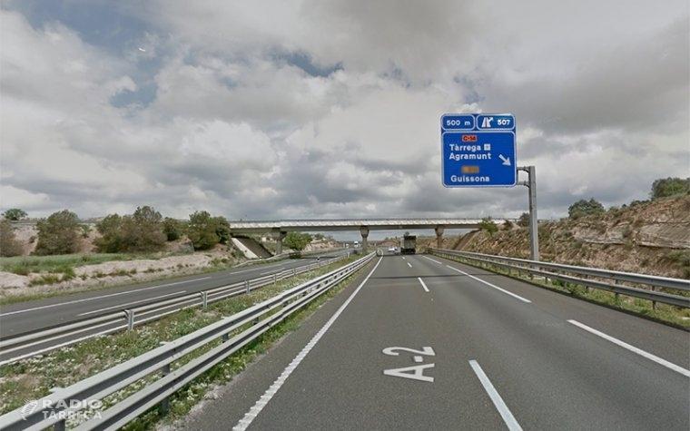 L'alcaldessa de Tàrrega, Rosa Maria Perelló tornarà a reclamar al nou subdelegat del Govern Josep Crespín la construcció de carrils laterals a l'autovia A-2 al seu pas pel municipi