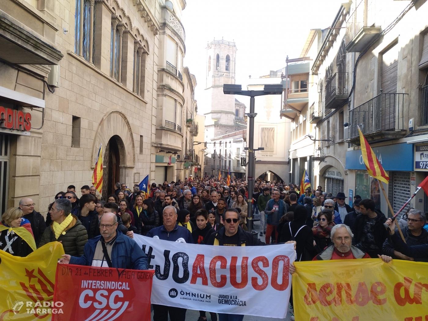 Més de 2.000 persones es manifesten a Tàrrega en motiu de la vaga general