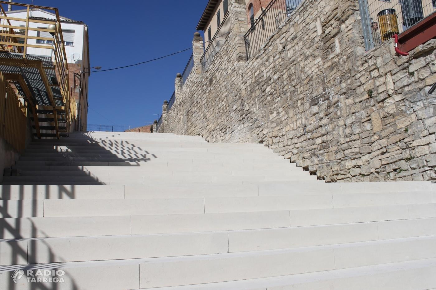 L'Ajuntament de Tàrrega ultima les obres de renovació de l'escalinata situada entre el Col·legi Jacint Verdaguer i l'Escola Municipal de Música