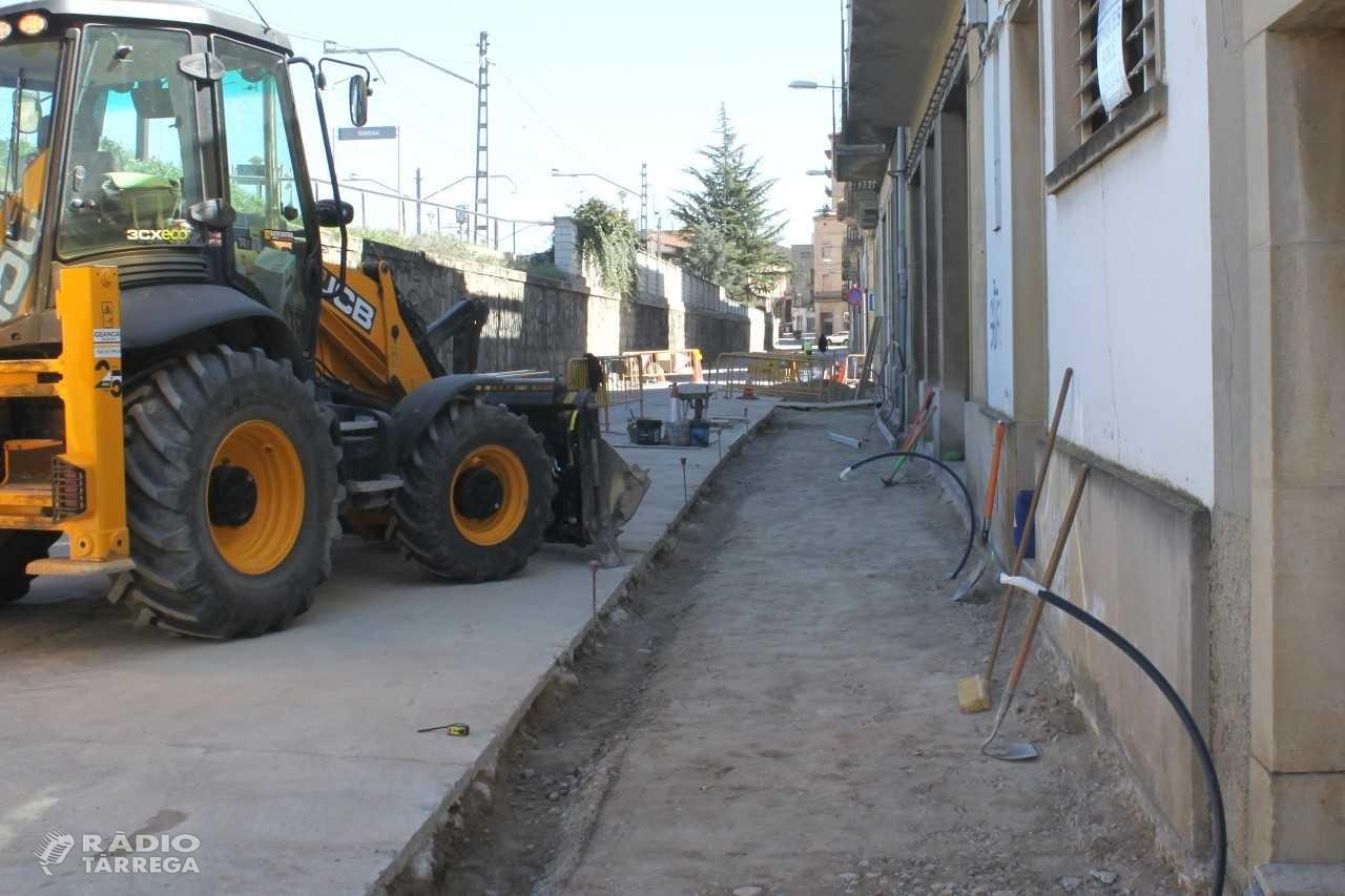 En marxa a Tàrrega les obres d'ampliació de la vorera del carrer del Segle XX