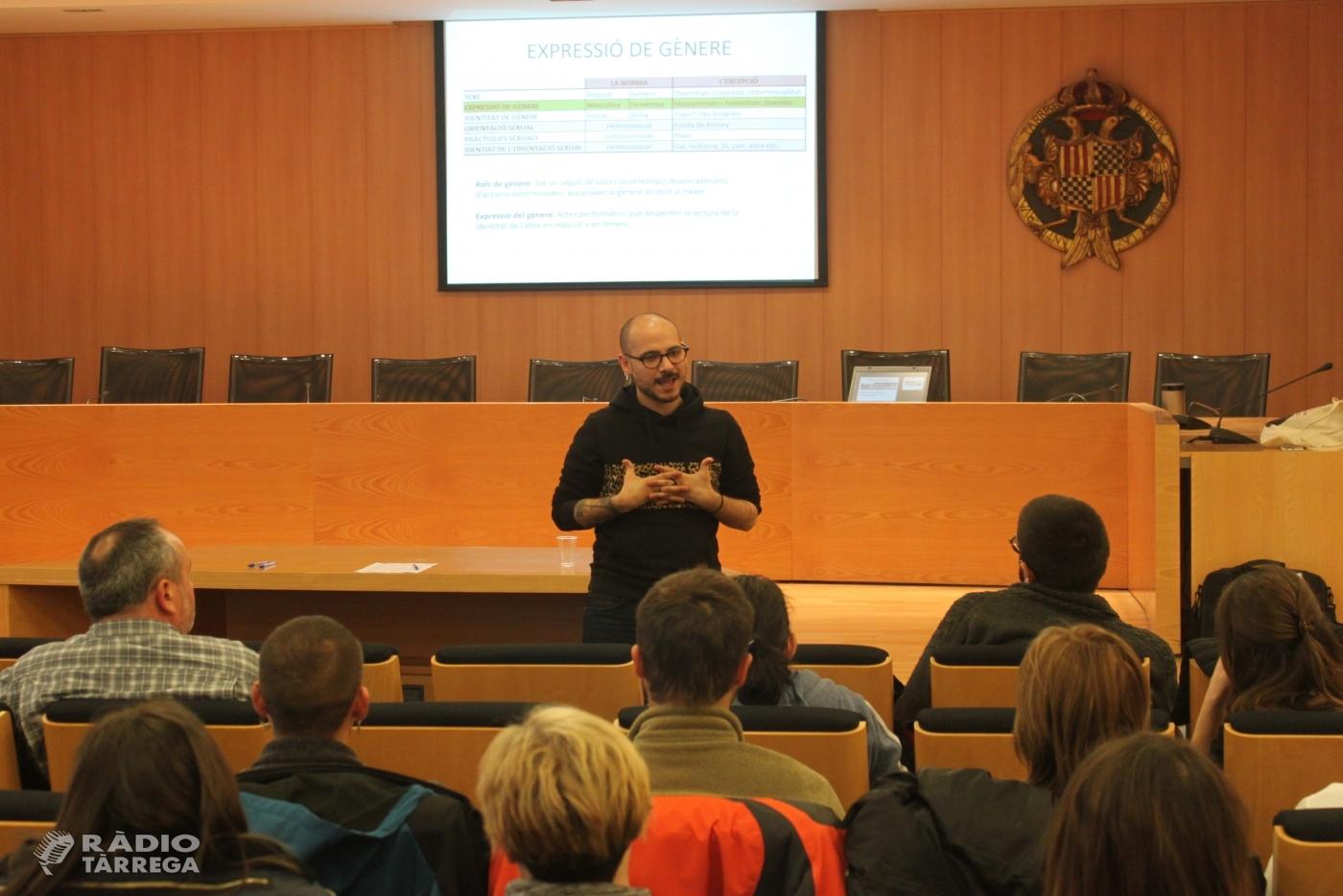 L'Ajuntament de Tàrrega forma la plantilla municipal per detectar i eradicar possibles casos de LGTBIQfòbia