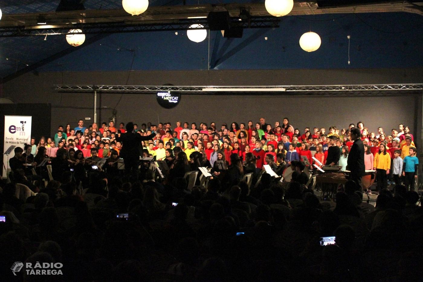 L'Escola Municipal de Música de Tàrrega interpreta una cantata per a cor i orquestra amb les veus de les escoles de primària de la ciutat
