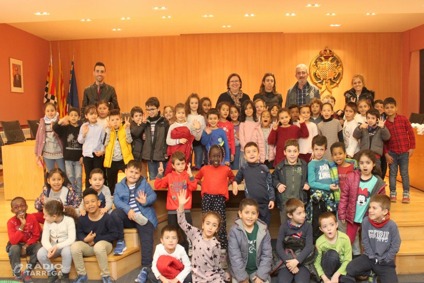 L'Ajuntament de Tàrrega rep la visita d'alumnes del Col·legi Sant Josep - Vedruna de la ciutat