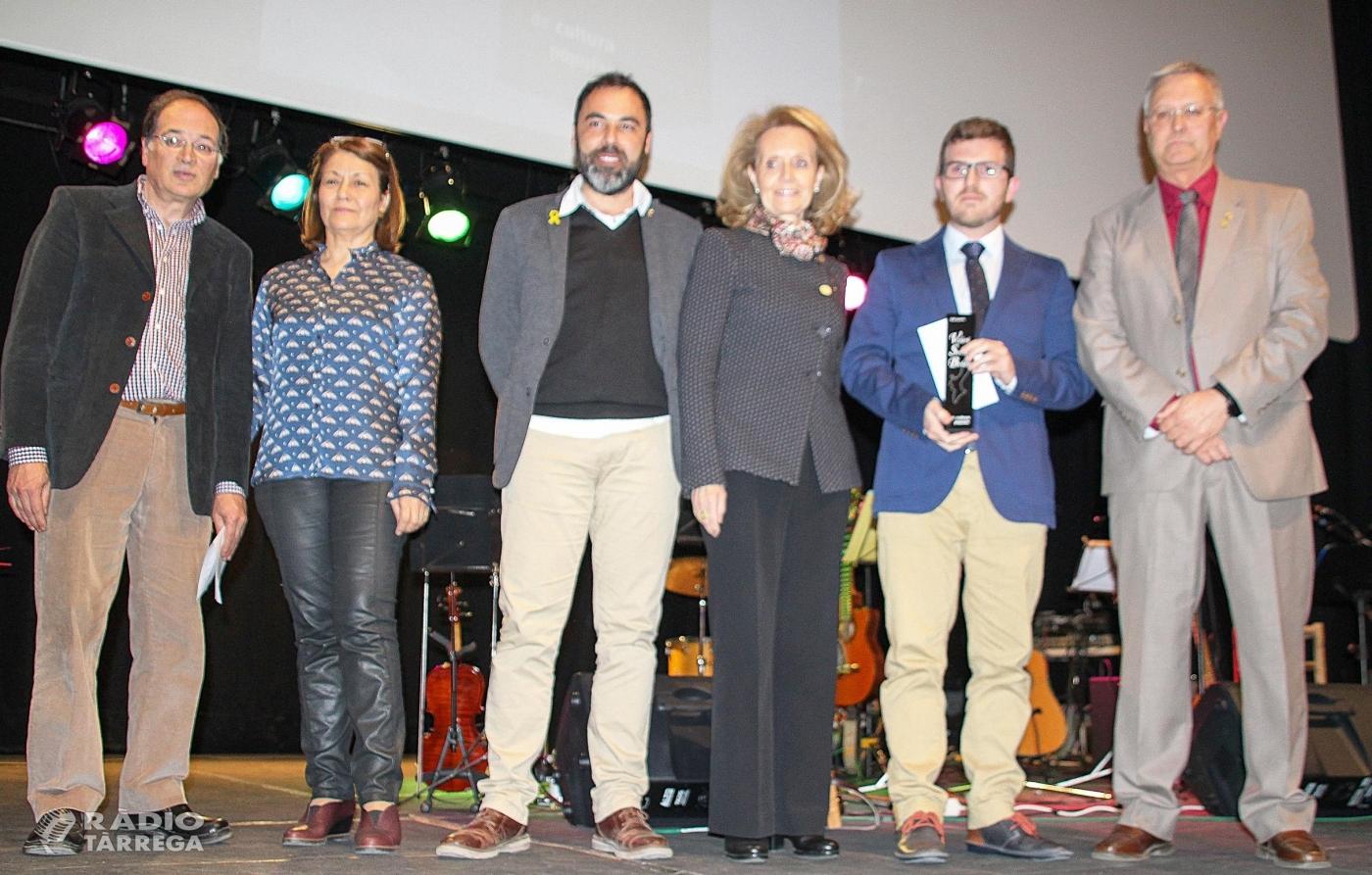 """Vicent Vidal guanya el 34è premi Valeri Serra i Boldú de Cultura Popular de Bellpuig amb l'obra: """"Una història de la literatura popular valenciana (1873-2018)"""""""