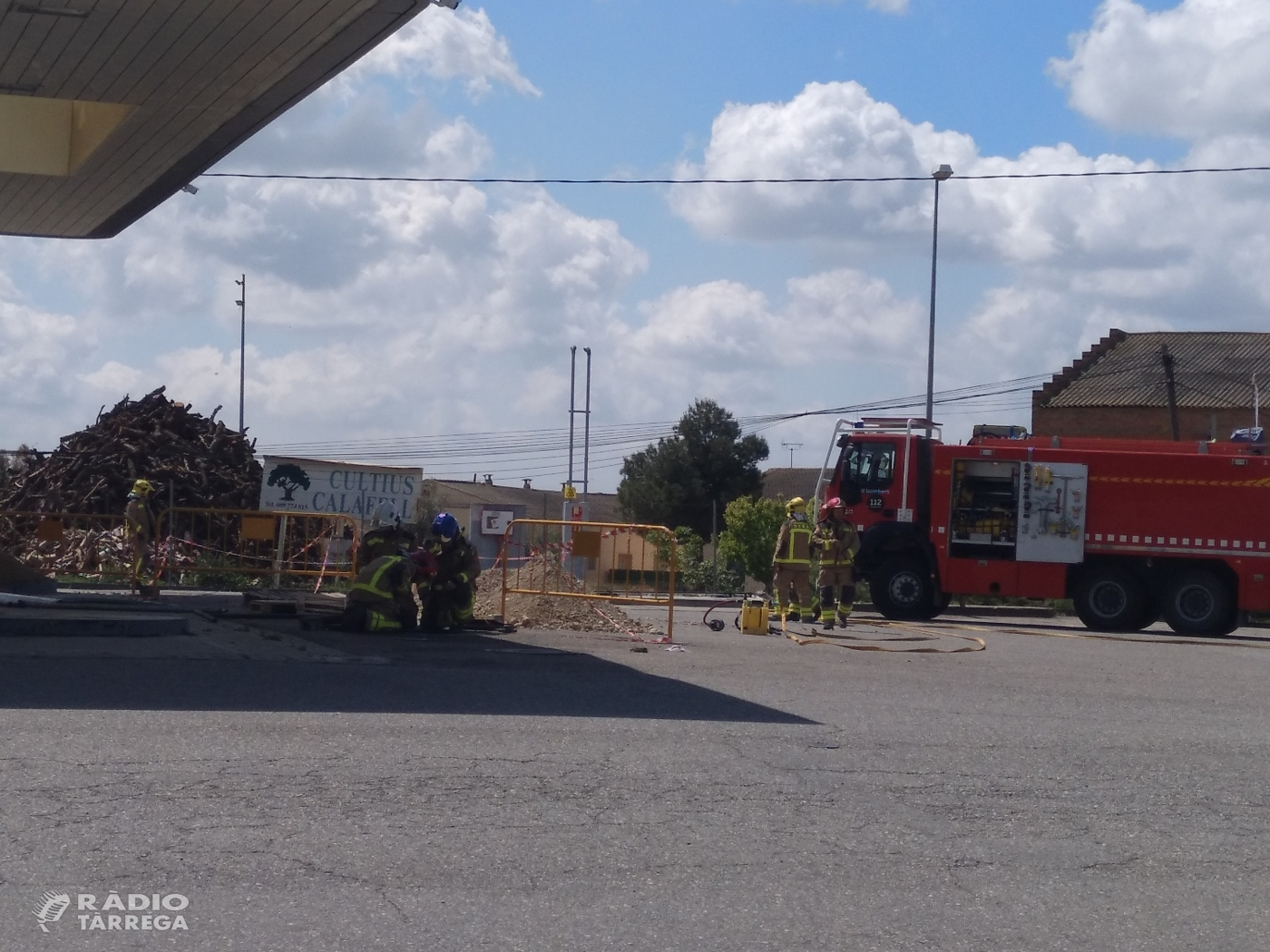 Una persona ha resultat ferida crítica en una deflagració que hi hagut aquest migdia a la benzinera de Fonolleres