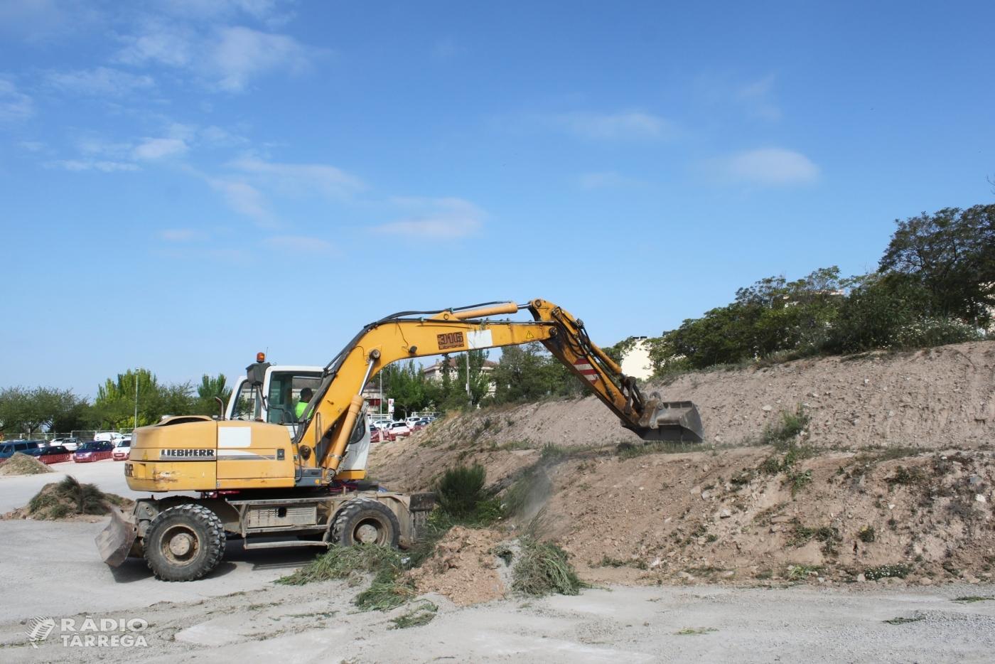 L'Ajuntament de Tàrrega inicia les obres de millora de la zona d'estacionament gratuït situada a l'avinguda de l'Onze de Setembre, que guanyarà en capacitat