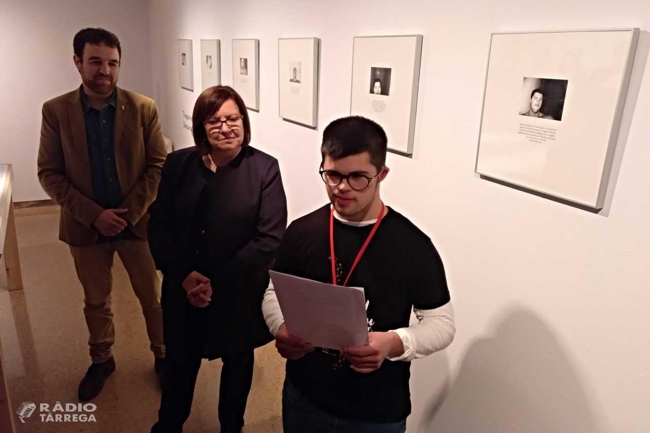 Tàrrega mostra el treball artístic de Quim Vilamajó, un noi amb síndrome de Down que reivindica els valors de les persones amb altres capacitats