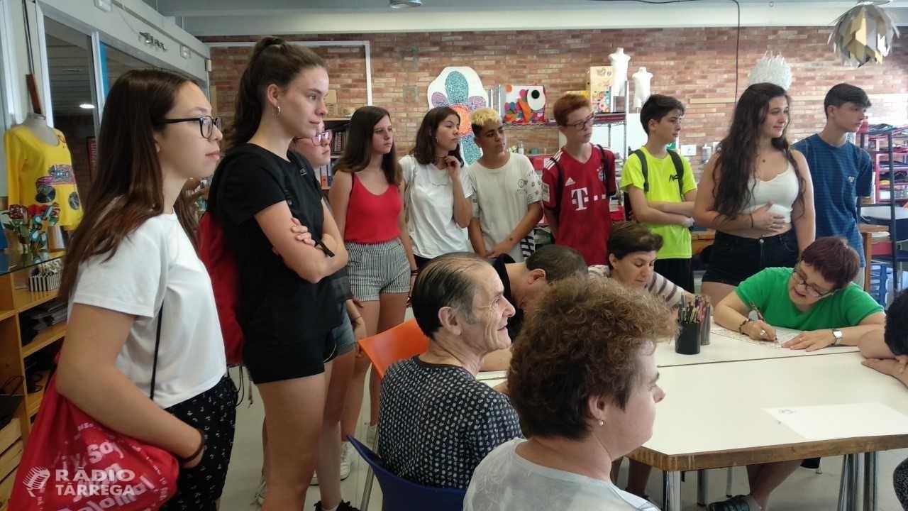 50 joves es formaran en voluntariat aquest estiu a través d'un programa del Grup Alba
