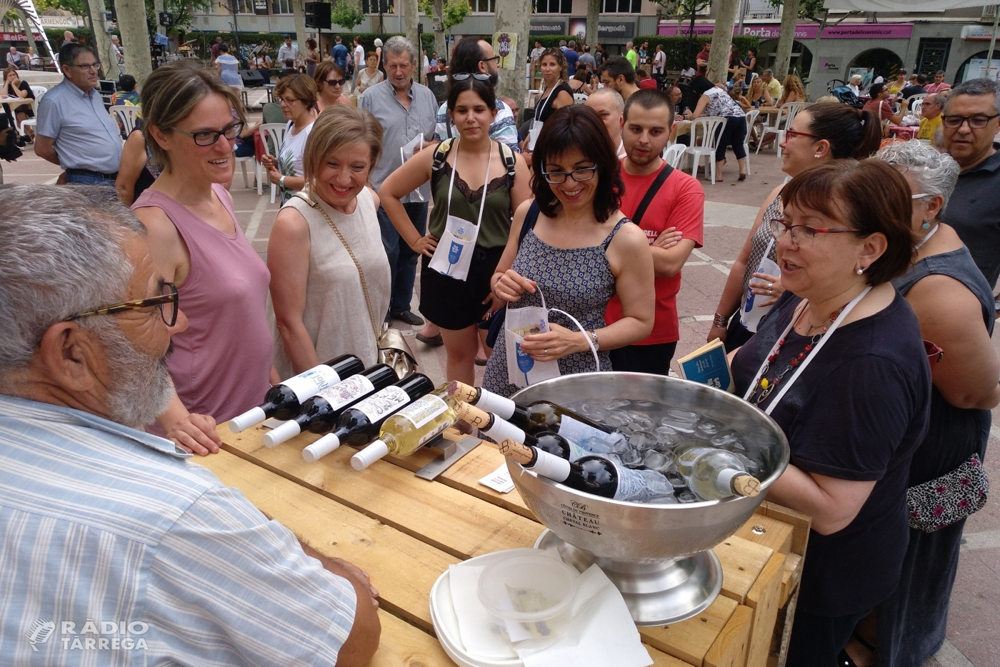"""Tàrrega celebra amb èxit la cinquena edició de la festa gastronòmica """"Vins i Marinada"""" amb la participació de 9 cellers de la Vall del Corb"""