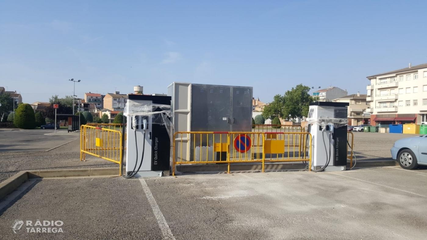 L'ajuntament d'Agramunt instal·la 2 punts de càrrega de vehicles elèctrics