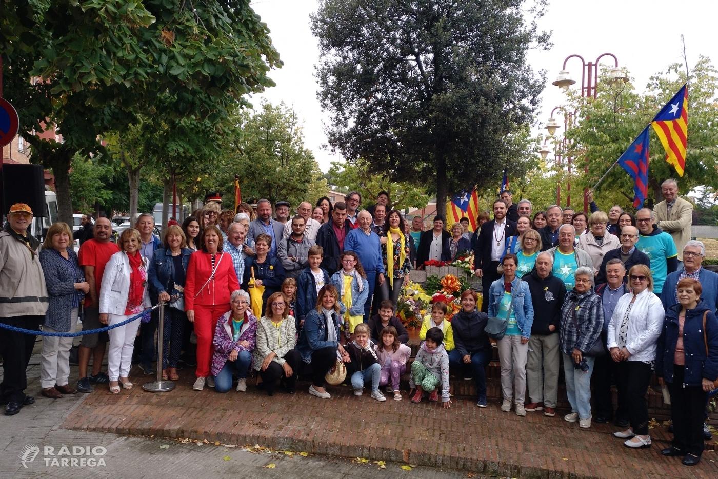 Més d'una vintena d'entitats participen a l'acte institucional de la Diada a Tàrrega, amb consignes majoritàries en favor d'un estat lliure