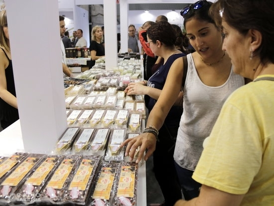 Èxit de públic i de vendes a la Fira del Torró d'Agramunt més mediàtica dels últims anys