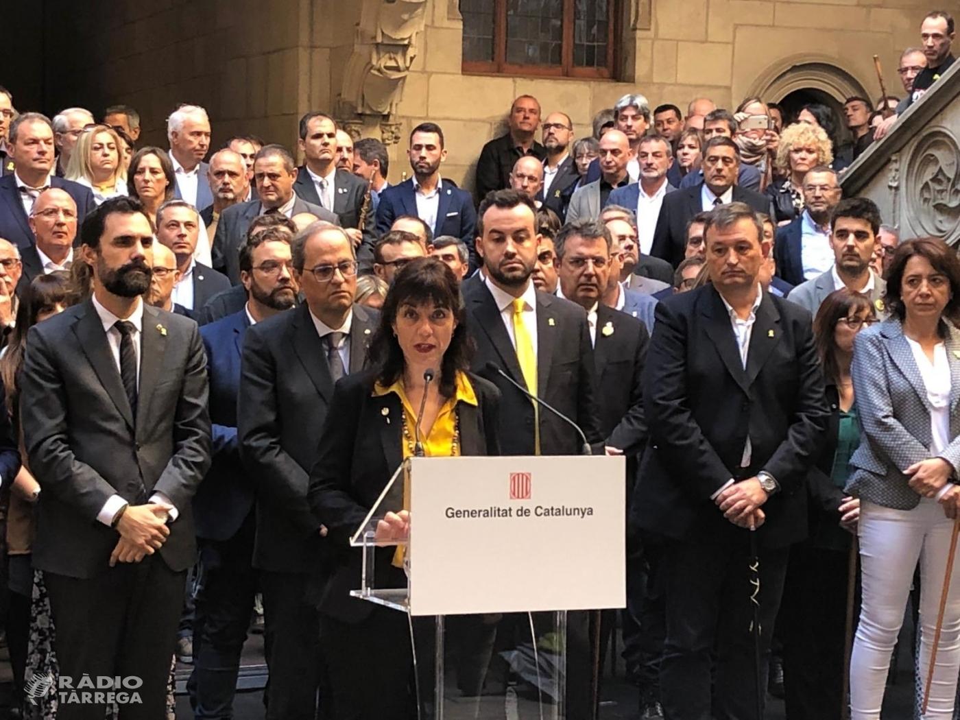L'alcaldessa de Tàrrega participa en l'acte on 700 alcaldes de tot Catalunya han traslladat a la Generaliat la moció de rebuig a la sentència