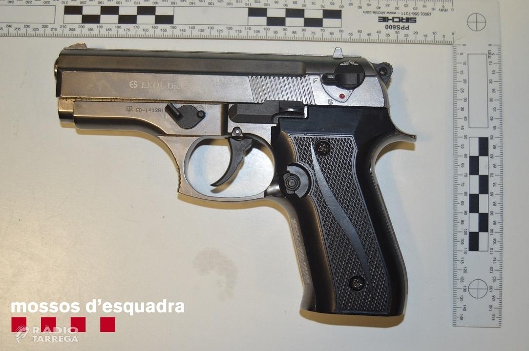 Els Mossos d'Esquadra detenen dos homes a Tàrrega per dos atracaments a Lleida i Vila-sana
