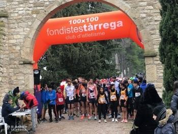 150 corredors participen en la cursa de Sant Silvestre de Tàrrega organitzada per 100x100 fondistes