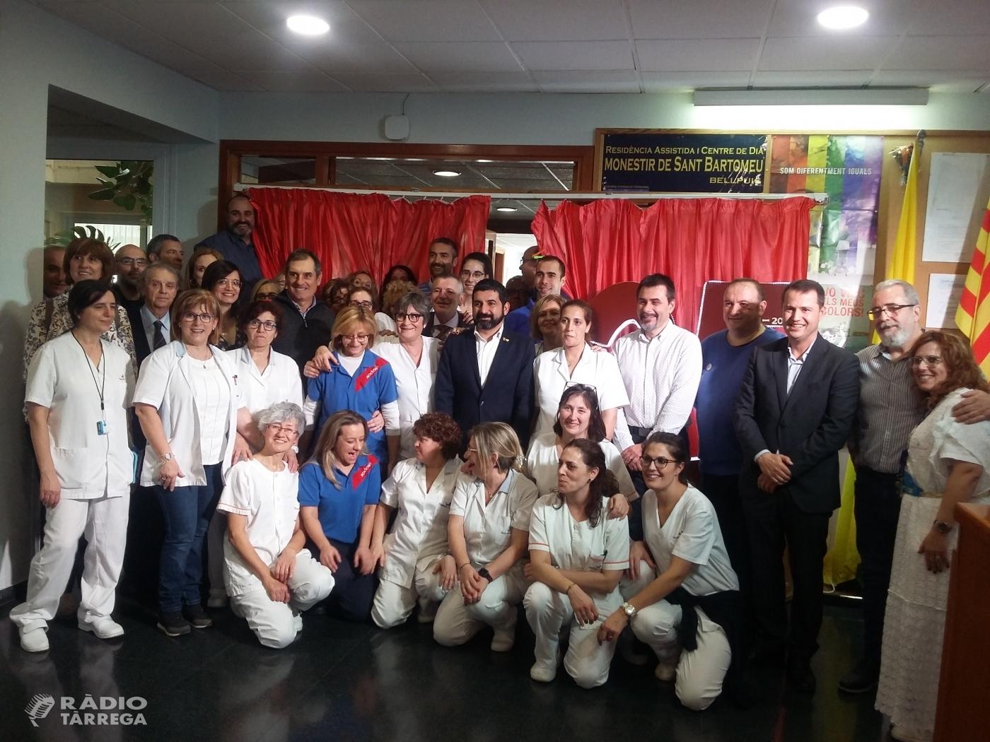 La residència de Bellpuig celebra 25 anys amb la visita del conseller El Homrani