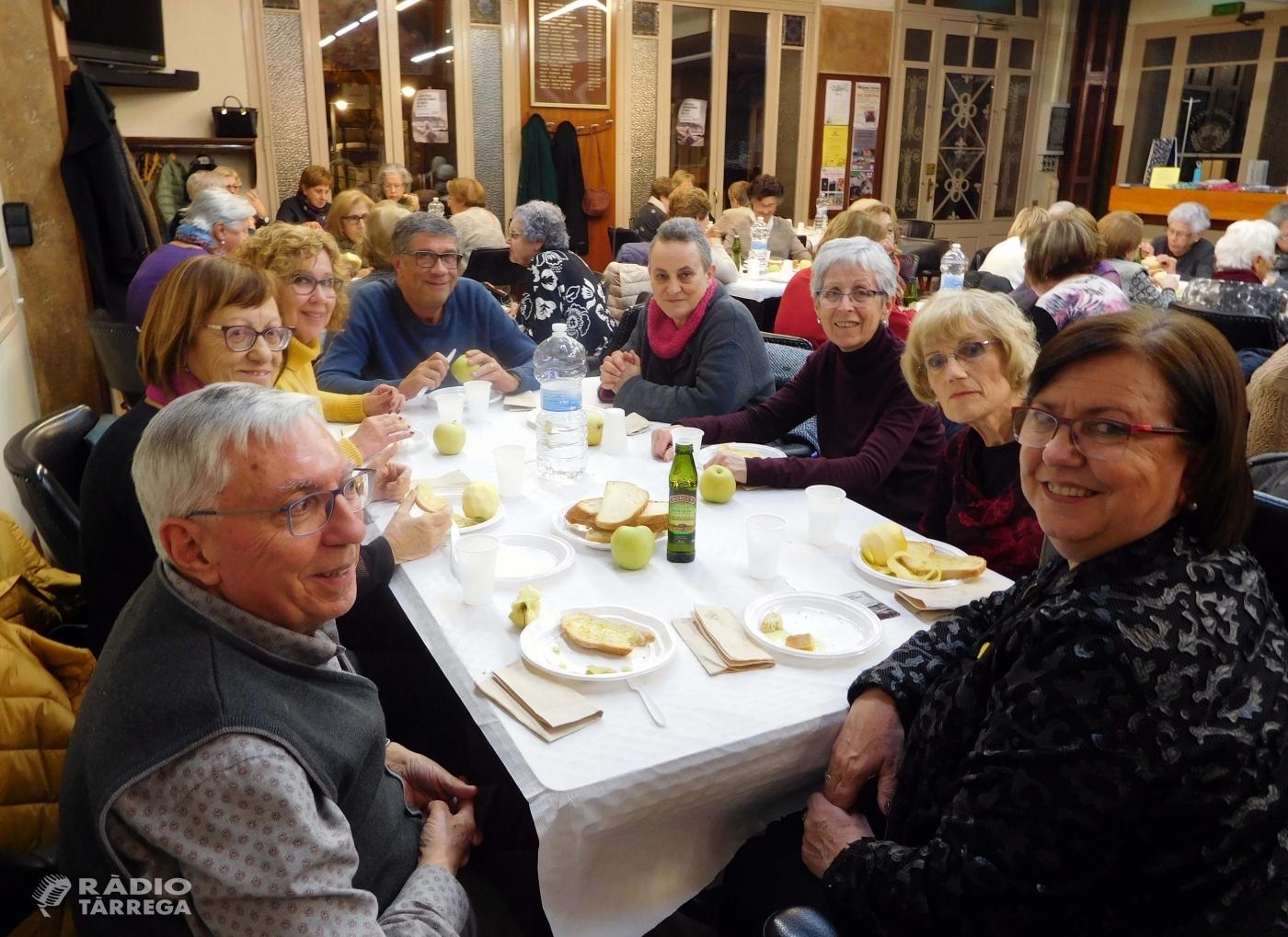 El sopar solidari de Mans Unides recapta 835 euros a Tàrrega
