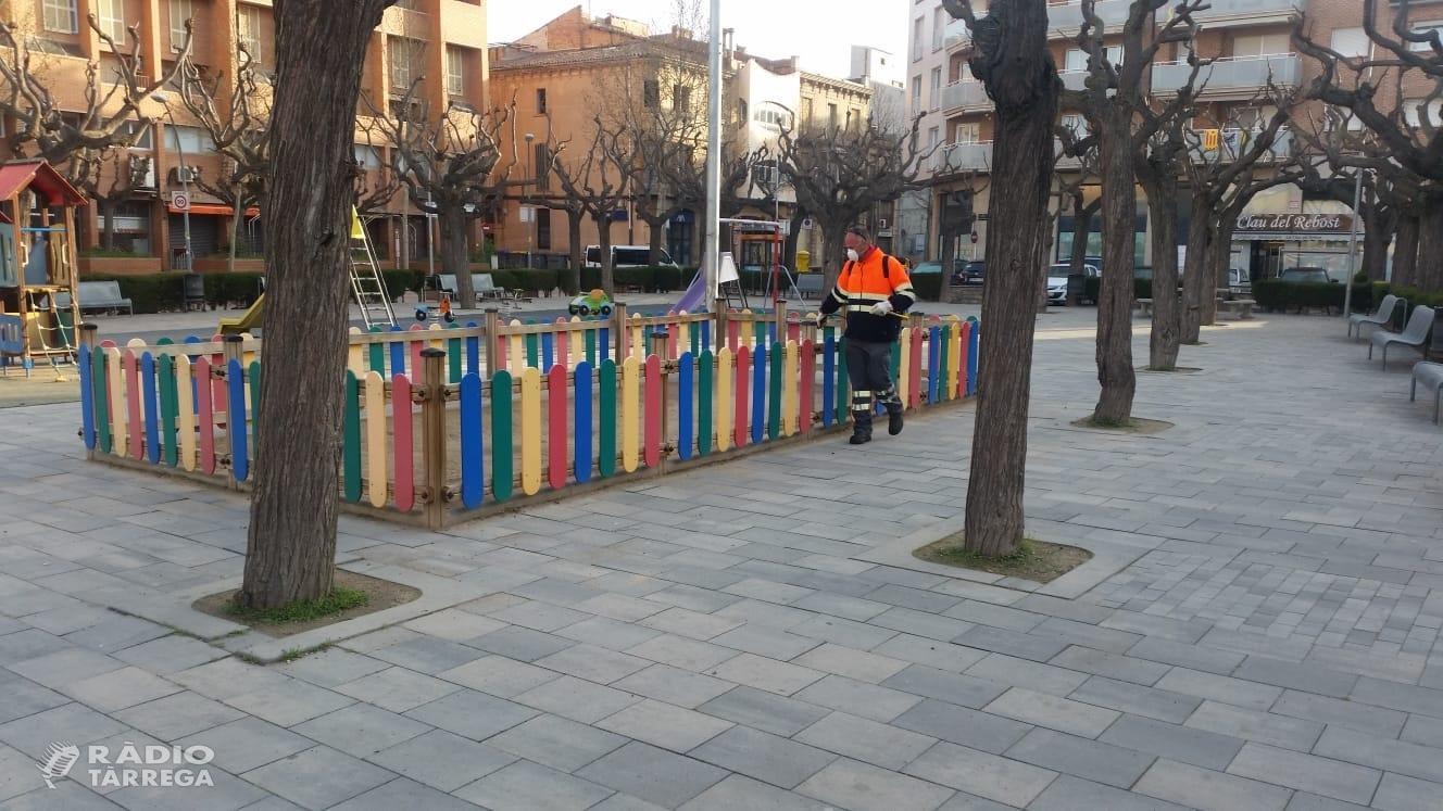 La Brigada Municipal comença les tasques de desinfecció d'espais amb concurrència de gent a Tàrrega