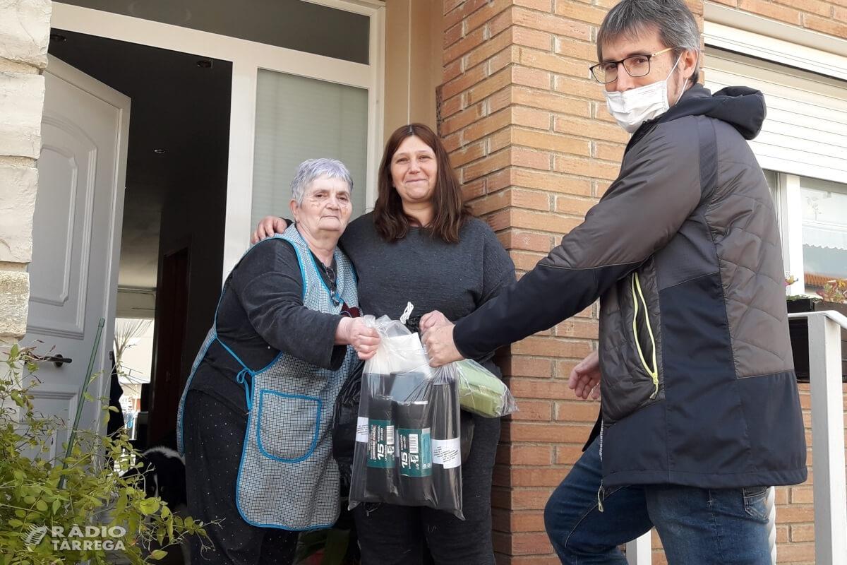 Agramunt inicia una campanya per confeccionar bates i mascaretes de protecció per al personal sanitari i de residències