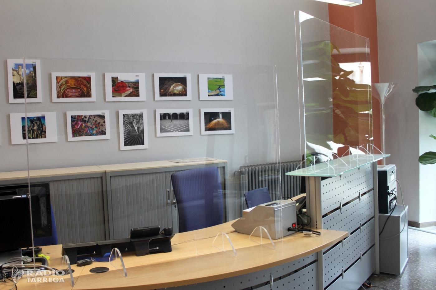 L'Ajuntament de Tàrrega instal·la les primeres mampares de protecció a l'Oficina d'Atenció Ciutadana