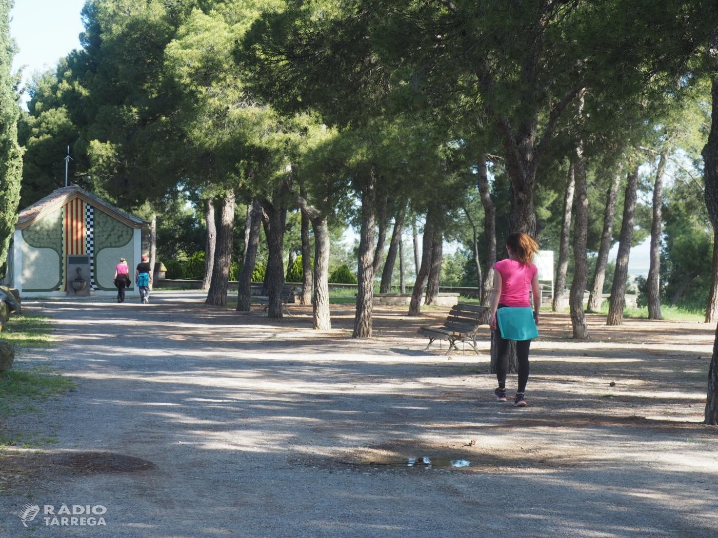 Molts targarins han sortit a passejar i fer esport a primera hora del matí el primer dia de desconfinament gradual