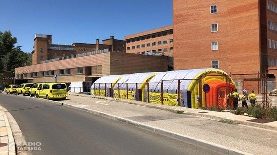 El SEM munta preventivament un hospital de campanya al costat de l'Arnau de Vilanova de Lleida pels brots de covid-19