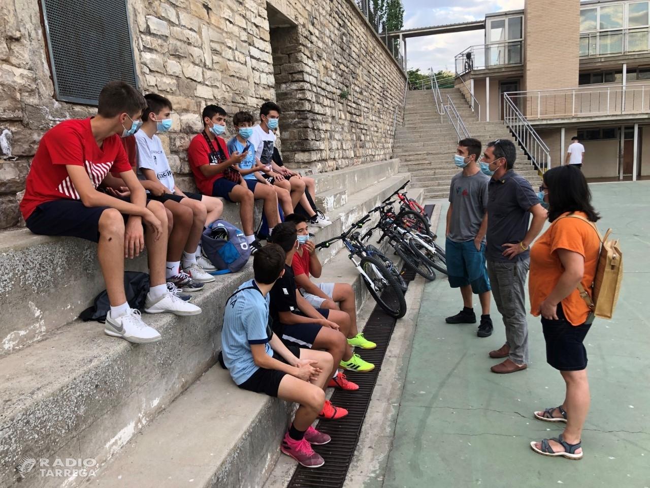 Tàrrega obre els patis de les escoles a l'estiu per promoure l'esport i generar comunitat entre els joves